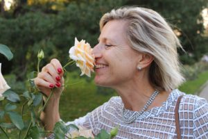 Découverte du parfum de la rose hybride thé